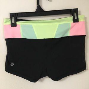 Lululemon size 6 groove reversible shorts (short).